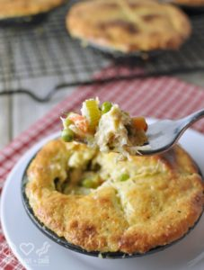 Chicken-Pot-Pie-Gluten-Free-and-Low-Carb--567x750